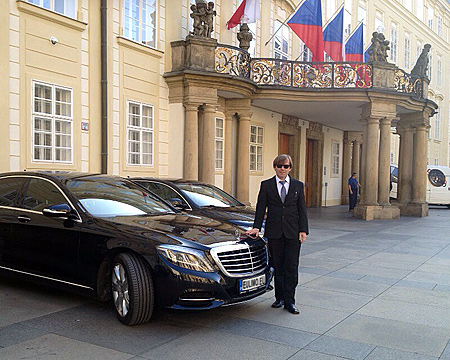 Chauffeured Limousine Service by EULIMO.EU
